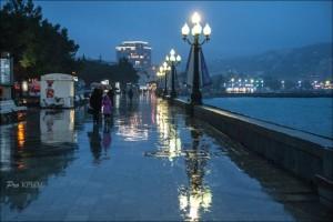 В Ялте дождь…