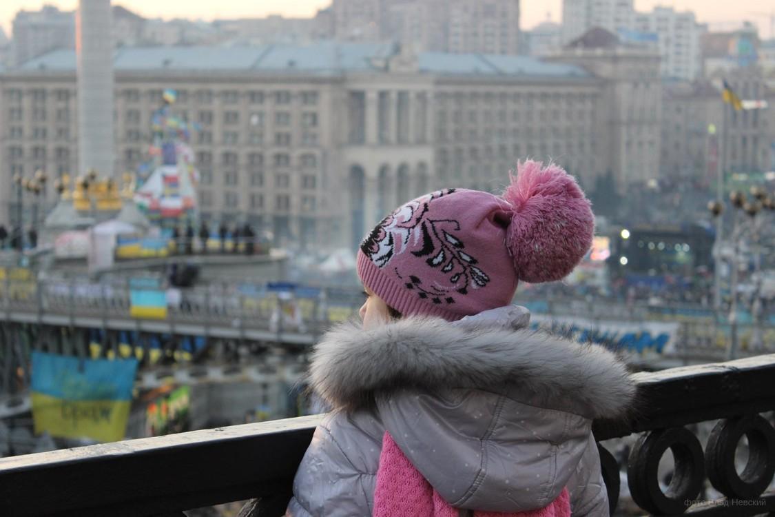 ребенкок на Майдане